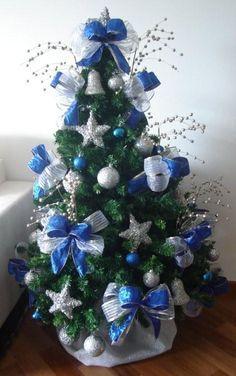 Arvore De Natal Com Decoracao Prata E Azul Pesquisa Google