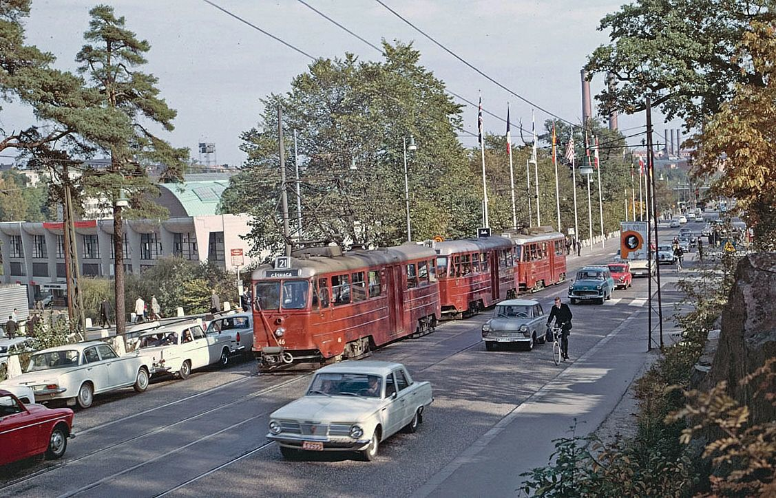 This was when the trams went furher into town, but that ended in 1967, when Sweden changed to right hand driving.