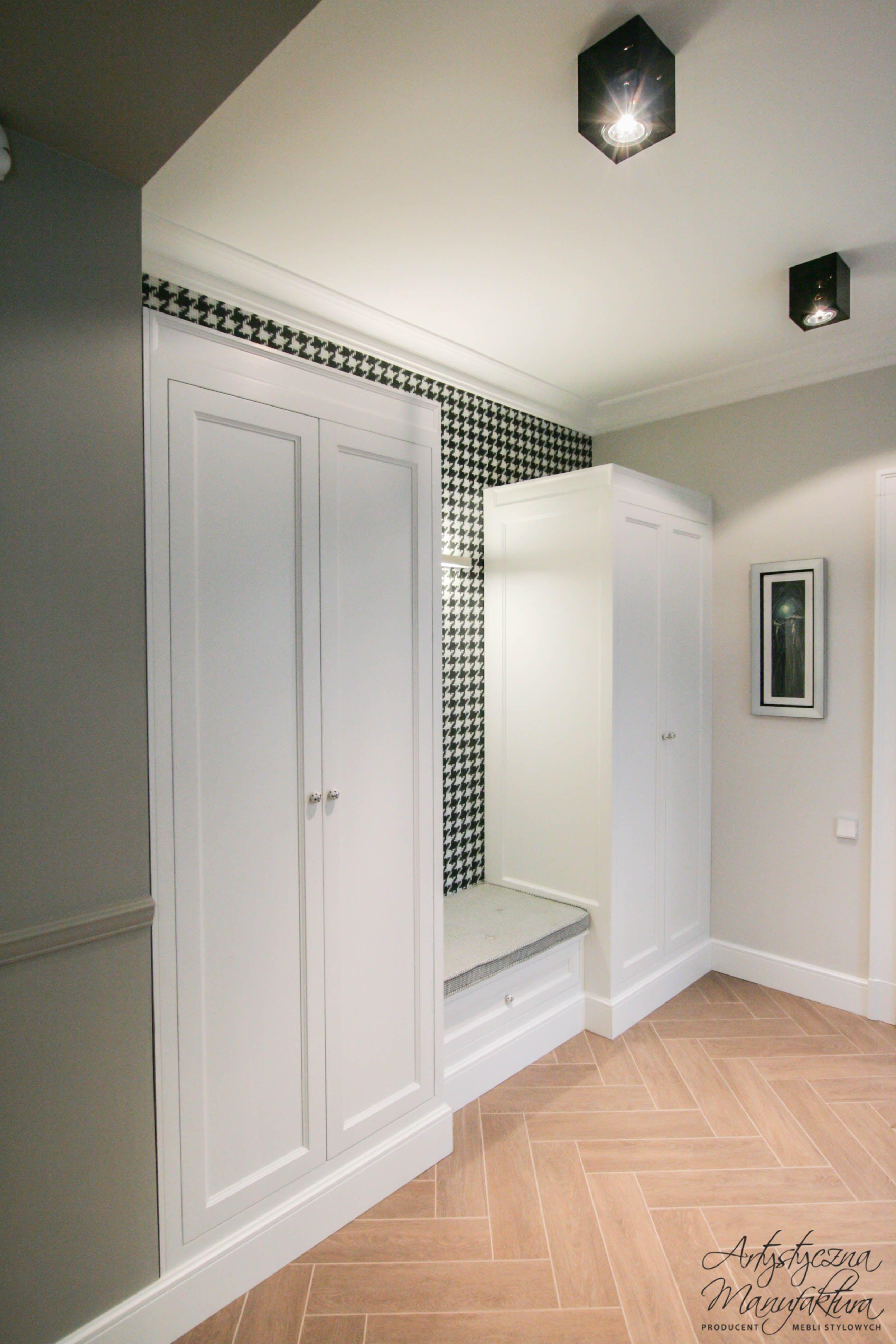 Klasyczne Szafy Do Holu 100 Drewniane Na Zamowienie Hallway Designs Tall Cabinet Storage Design