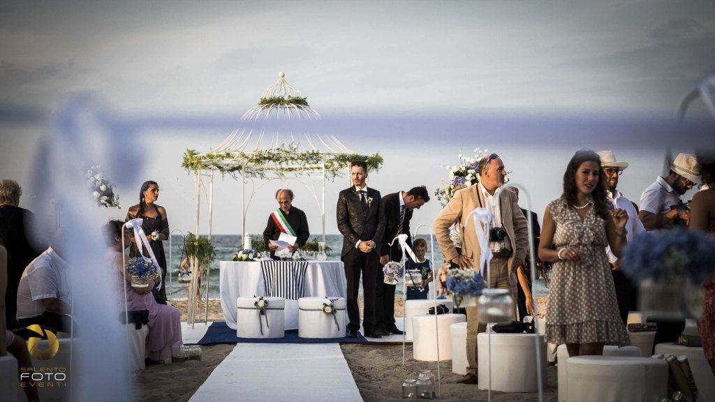 Matrimonio Spiaggia Salento : Matrimonio sulla spiaggia nel salento cerimonia civile matrimonio