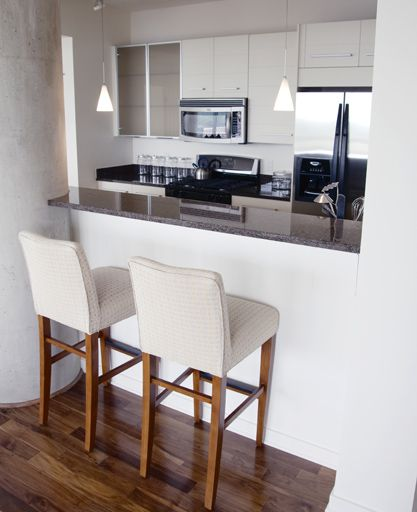 Ideas para tener una barra en la cocina de mesa a silla for Sillas barra cocina
