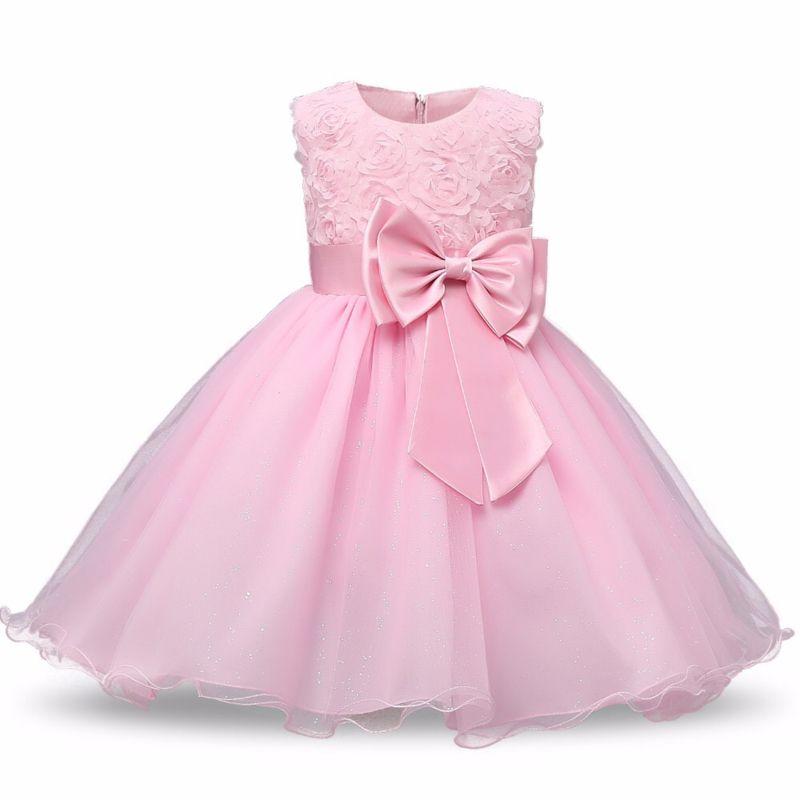 d70adc5f960583 Feestelijke lichtroze jurk met bloemetjeskant