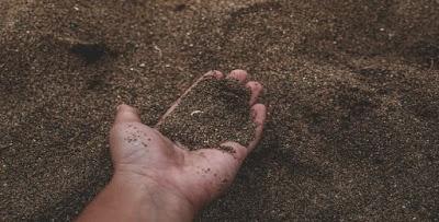 تفسير رؤية التراب في المنام In 2020 Types Of Soil Sandy Soil Soil Classification