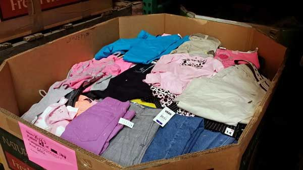 JTu0027s Merchandise Outlet Wholesale Clothing   Menu0027s, Womenu0027s Childrenu0027s  Brand Names | JTu0027s Merchandise Outlet