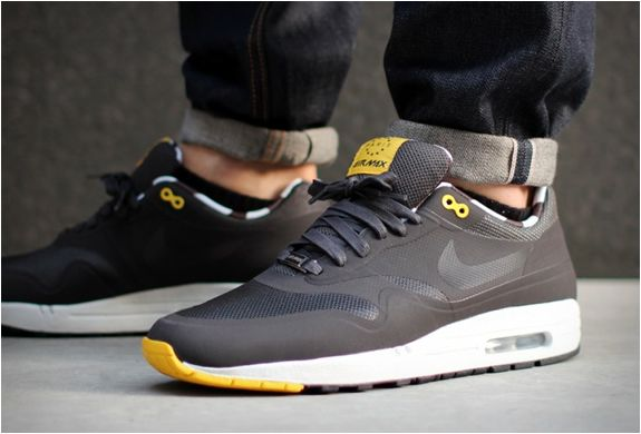 the latest 912c0 fb0df Normally  Nike  Air  Max shoes do not grab my attention, however these...   Nike  Air Max 1 Home Turf Paris QS