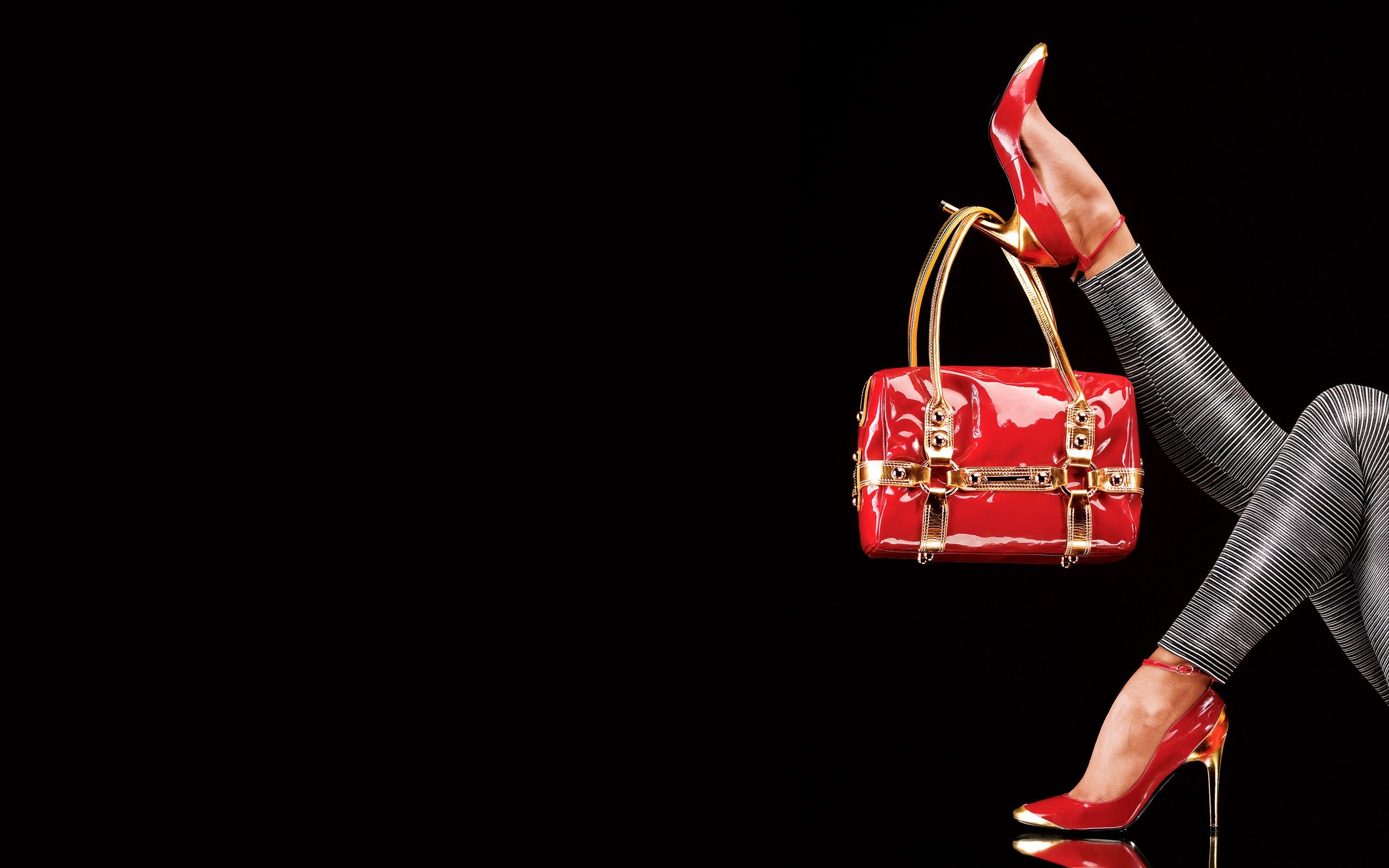3e8f2151d Handbag Model The top 10 handbags every | Handbag Model Shoot in ...