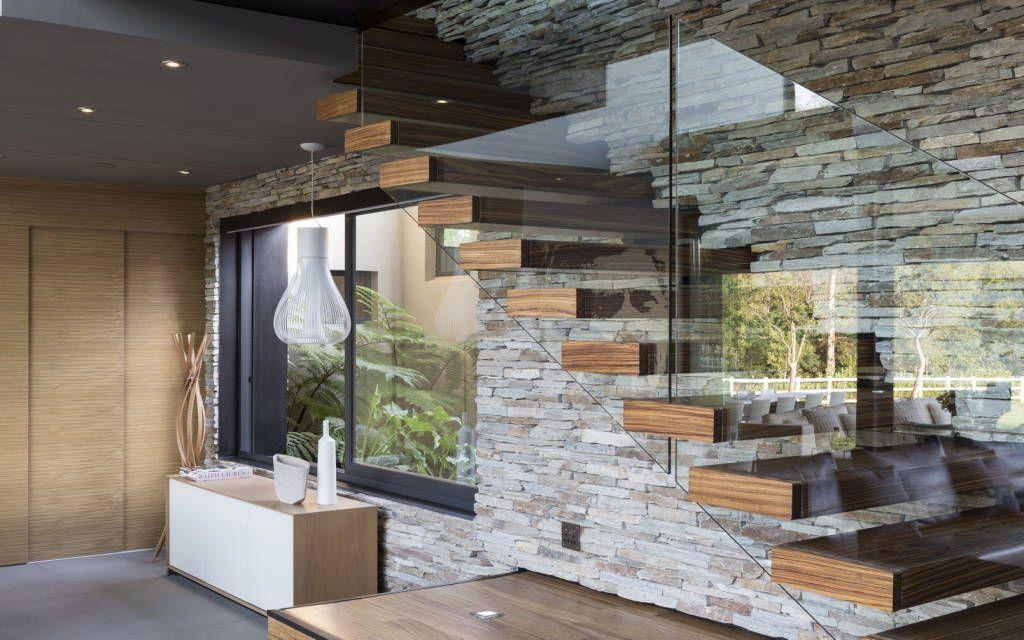 casas modernas ideas con piedra laja para decorar tus escaleras de