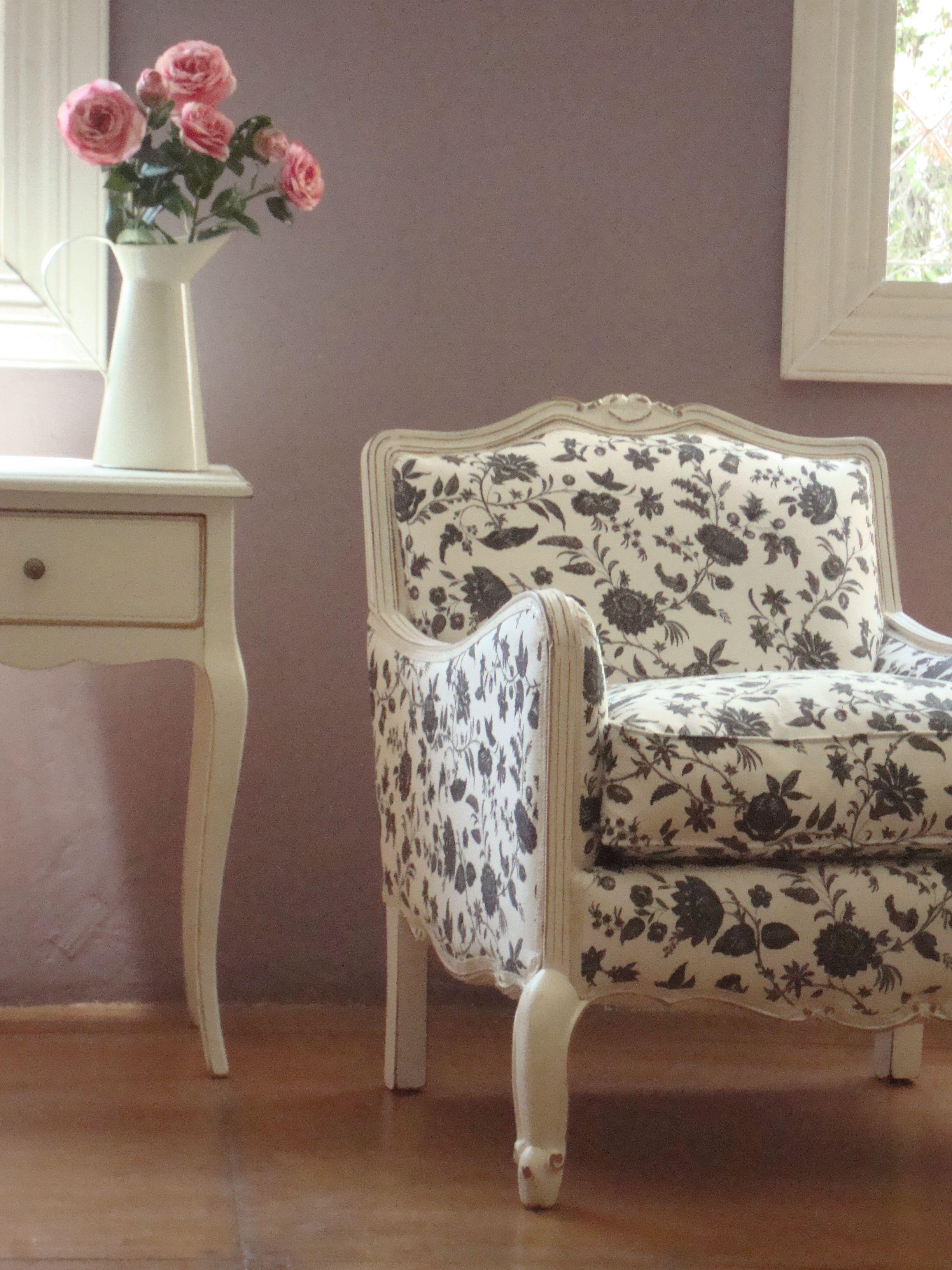 Sill n rosa con tapiz blanco y negro sof s y sillones - Tapices para sofas ...