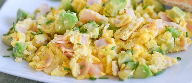 Foodness: Roerei met avocado en ham