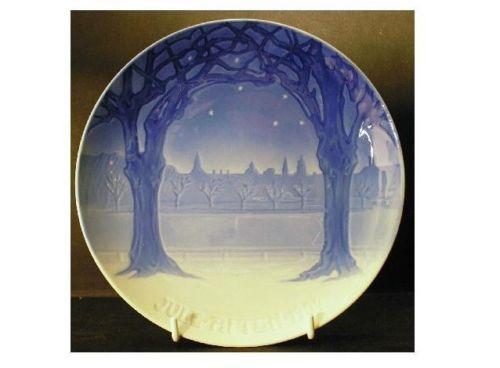 """1904 Bing Grondahl Christmas Plate """"View of Copenhagen from Frederiksberg""""   eBay"""