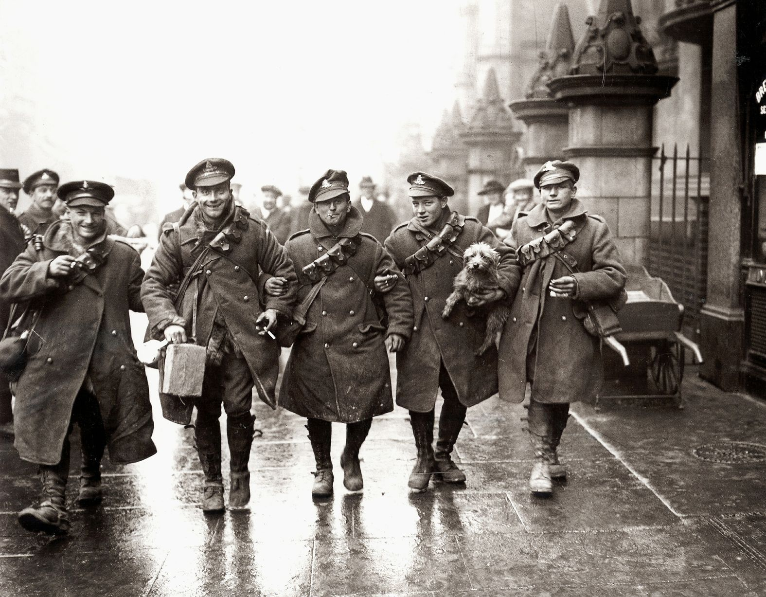 Ww1 English Troops Return Home For Christmas For Some