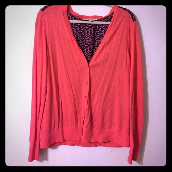 NWOT Coral & Navy Cardigan from LOFT This is a NWOT coral & navy cardigan from LOFT. Front panel and sleeves are a lightweight sweater knit, back panel is a lightweight nearly sheer printed fabric. Super fun for spring or fall!  No rips, tears, or stains. LOFT Sweaters Cardigans