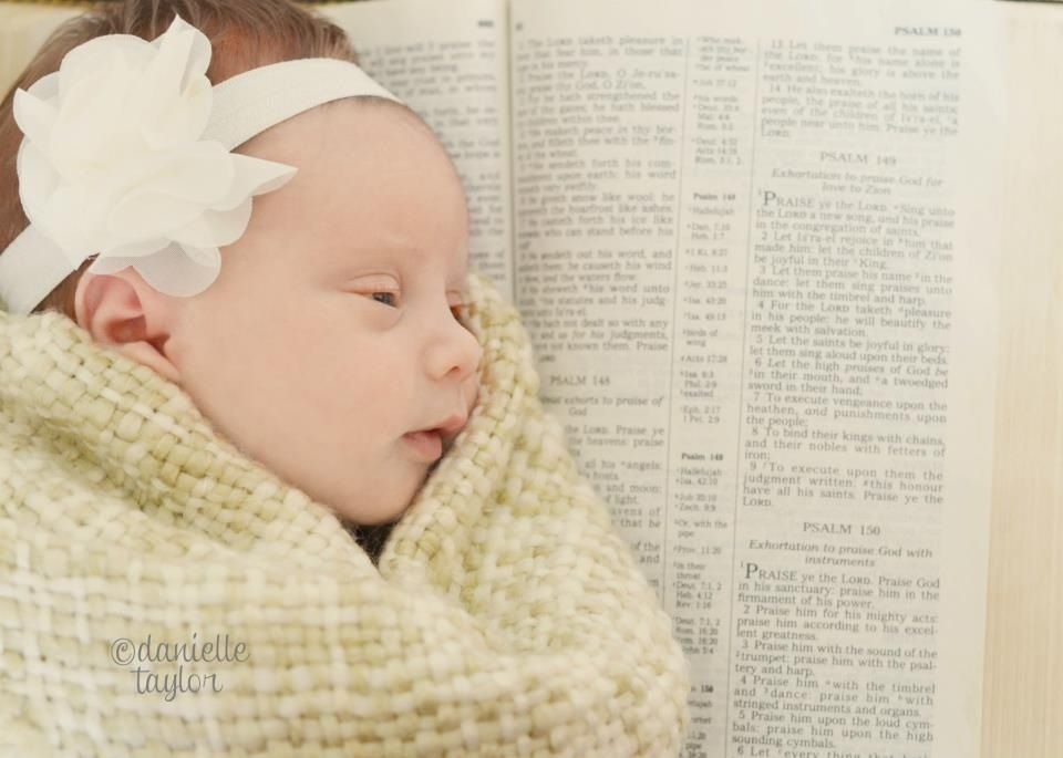 Newborn baby photography danielle taylor nikon d5100 50mm backdrop props cs6 baby girl