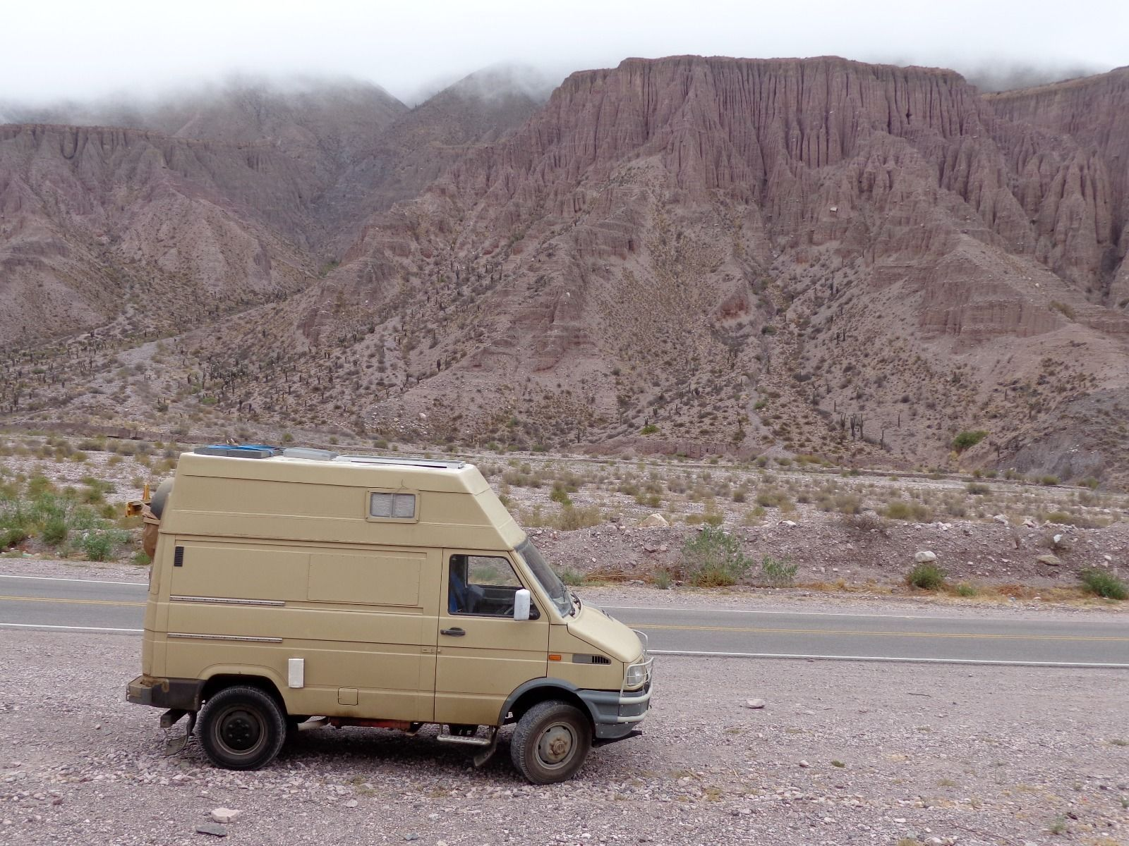 Iveco daily 4x4 overland camper