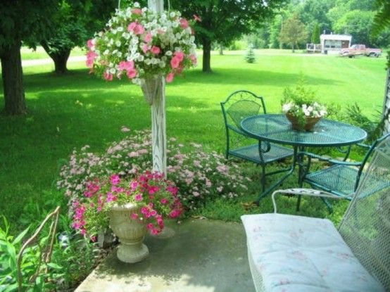 Shabby Chic Terrace Design With Victorian Charm Digsdigs Shabby Chic Patio Shabby Chic Colors Shabby Chic Garden