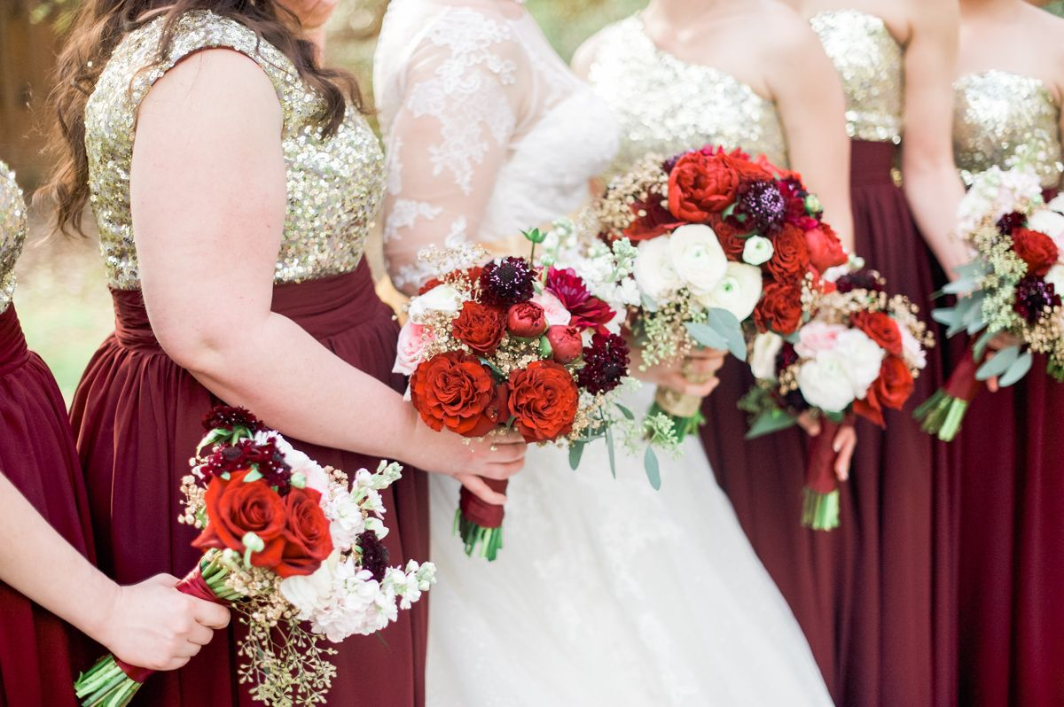 Burgundy And Blush Bouquets With Gold Baby S Breath Blush Gold