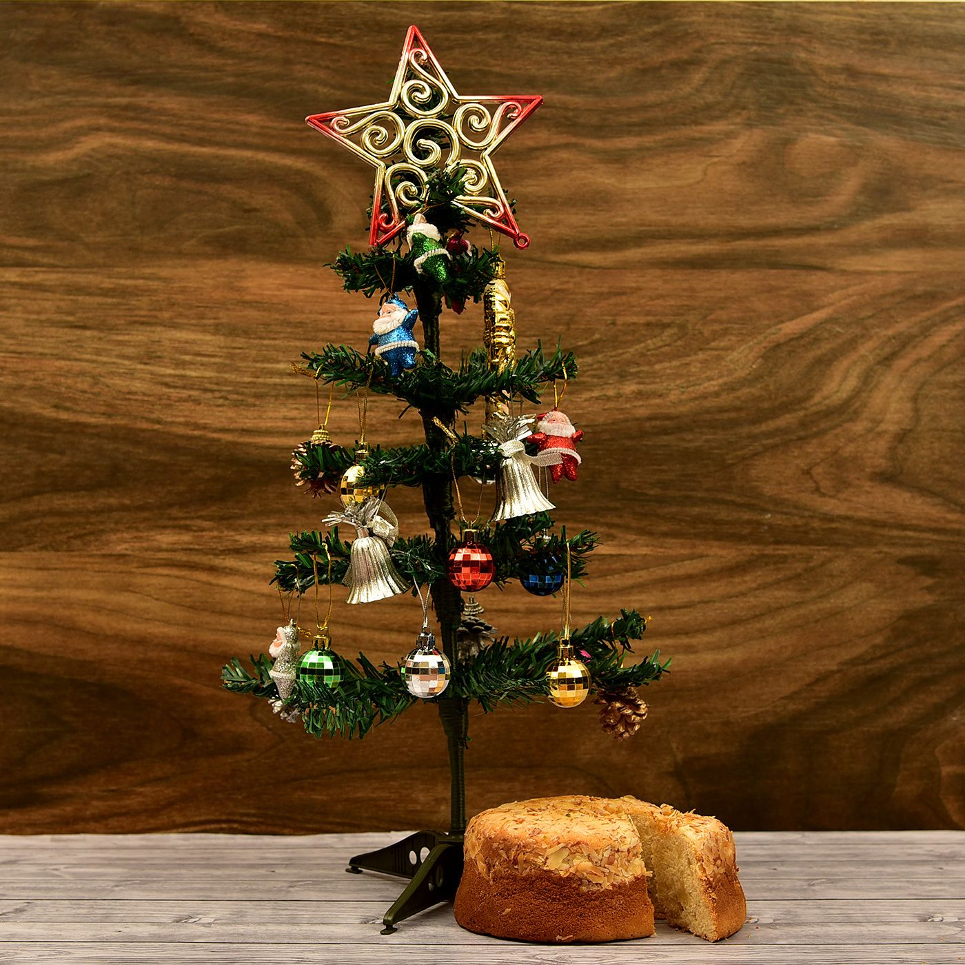 Christmas Tree With Decor Items And Almond Cake Online Christmas Gifts Buy Christmas Gifts Buy Christmas Tree