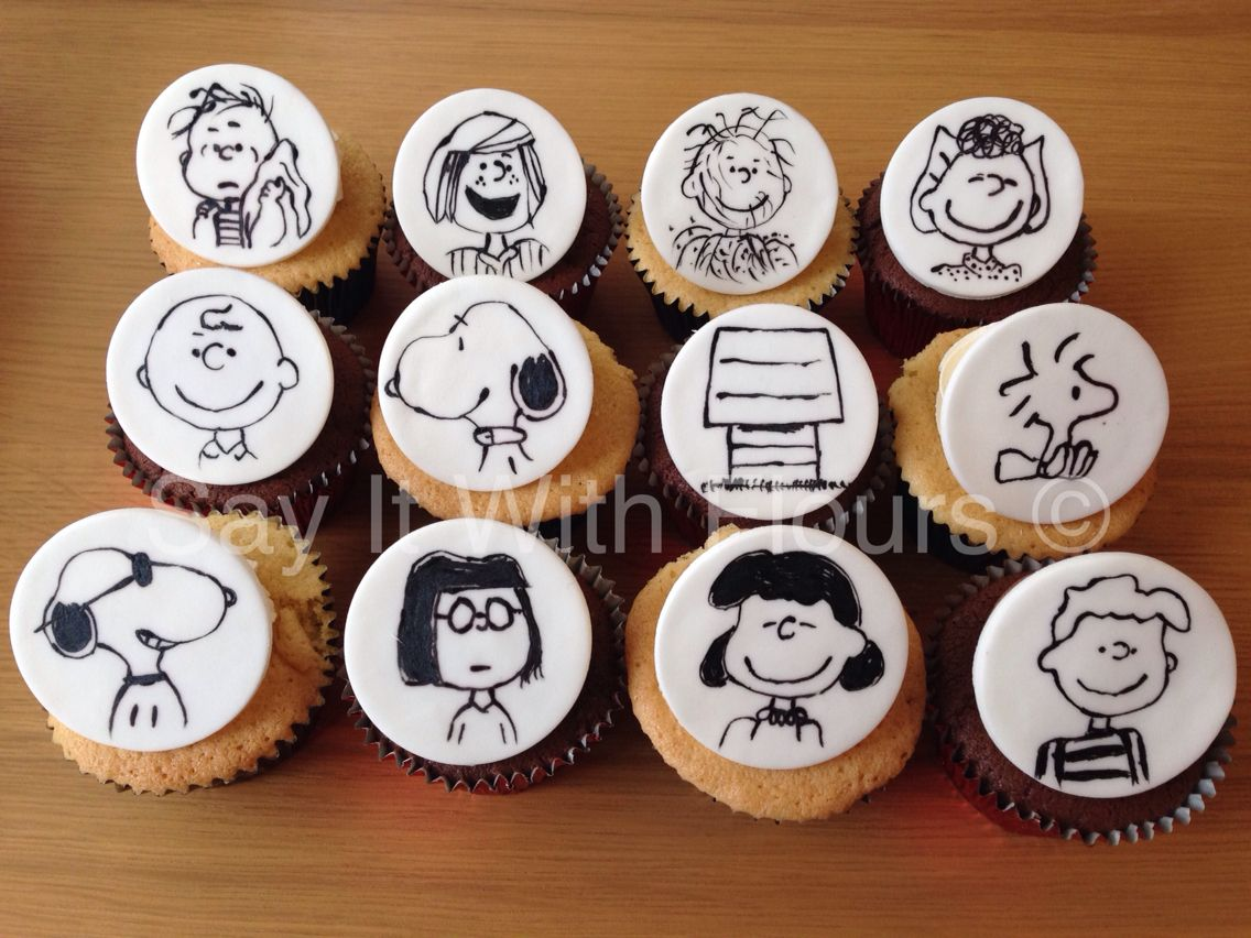 PeanutsSnoopy cupcakes Cuppy cake Pinterest Peanuts snoopy