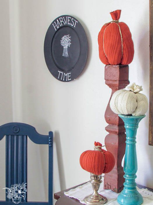 Hi Everybody! Today I am back with my first ever Home Tour! I have teamed up with fifteen of my favorite bloggy friends to bring you our Fall-Oween Home Tour Hop! So don't forget to scroll to the bottom to check out all their beautiful homes! For me it has…