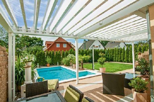 Solar Terrasse homeplaza mit lamellendächern wohlfühloasen im garten entstehen