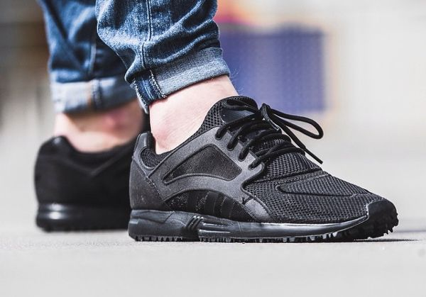 Adidas Racer Lite Triple Black post image | 2⃣1⃣DLY.SNKRS.ADIDAS. |  Pinterest | Chaussures hommes, Chaussure et Hommes