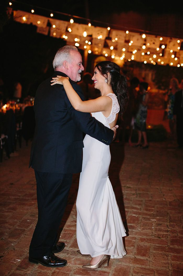 Bride and father of the bride wedding dance | fabmood.com