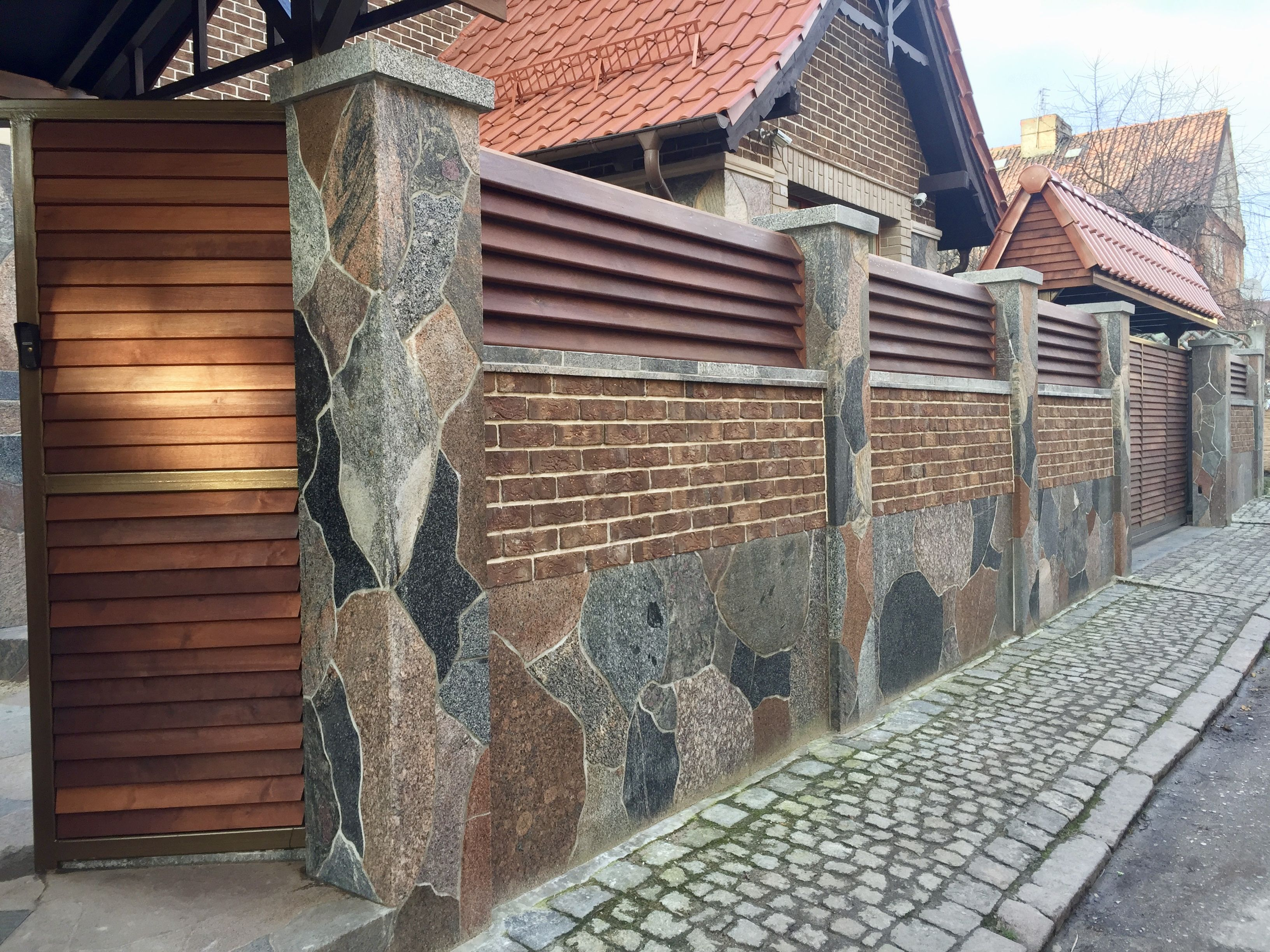 заборы из натурального камня и дерева фото картинки