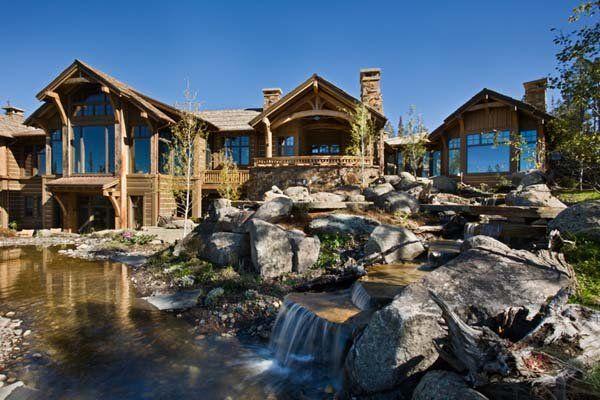 Beautiful Rustic Mountain Retreat Set Amidst The Grandeur Of The