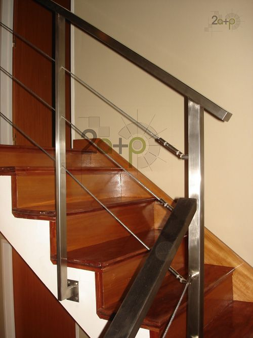 Baranda con tensores para escaleras deco pinterest - Barandas de madera para escaleras ...