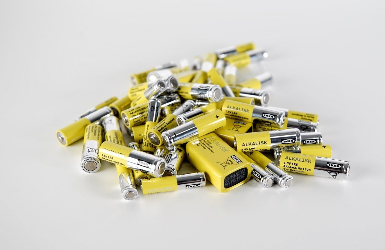 All Non Rechargeable Alkaline Batteries Will Be Removed From The Global Home Furnishing Range Of Ikea Stores By October 202 Alkaline Battery Recharge Batteries