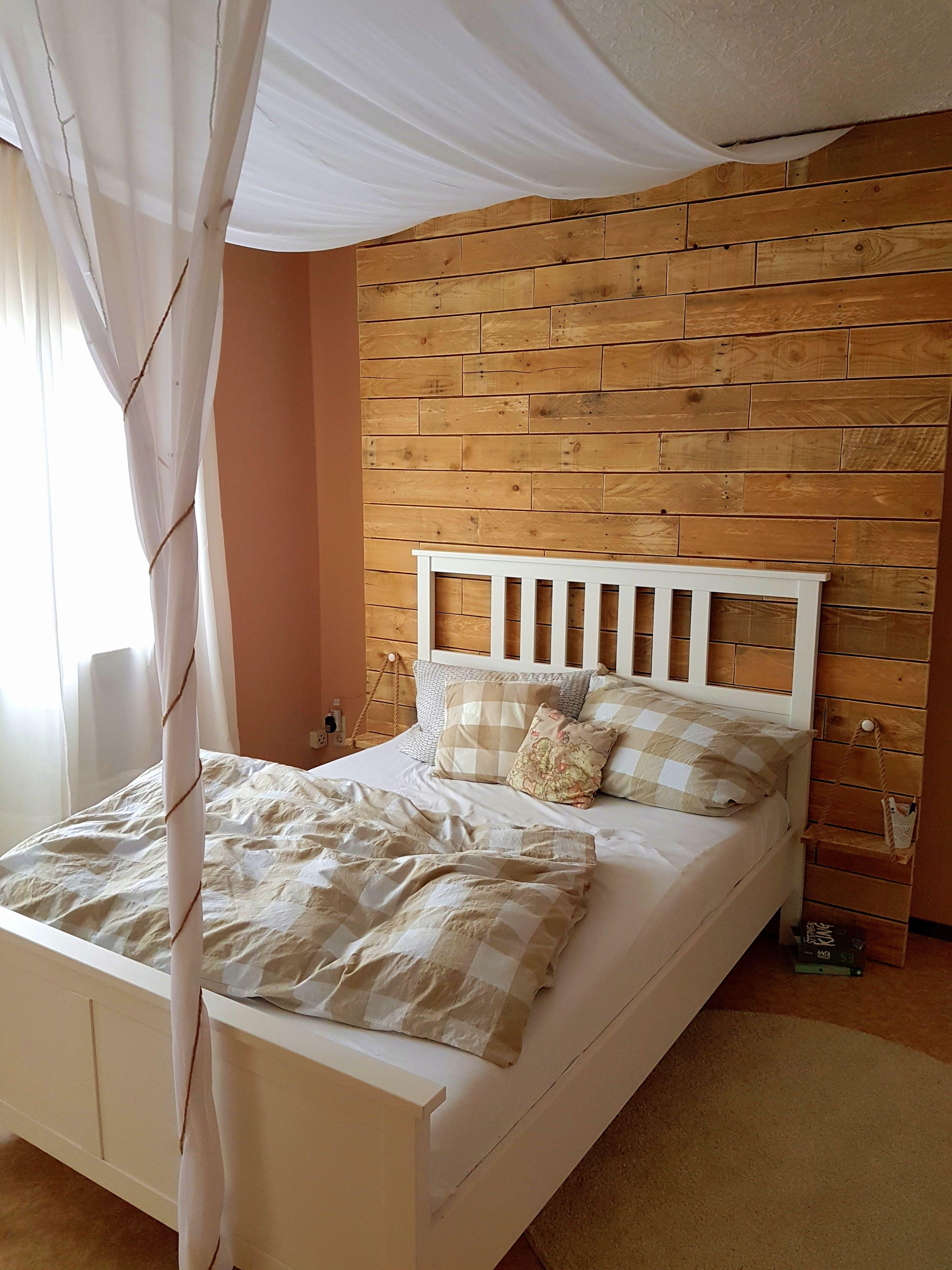 schlafzimmer rustikal holz paletten  wohnung himmelbett