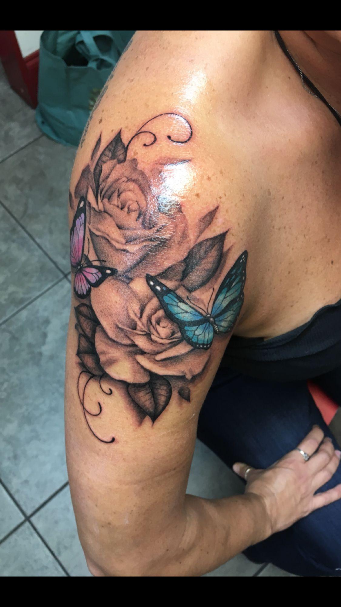 Photo of Tattoo met vlinders