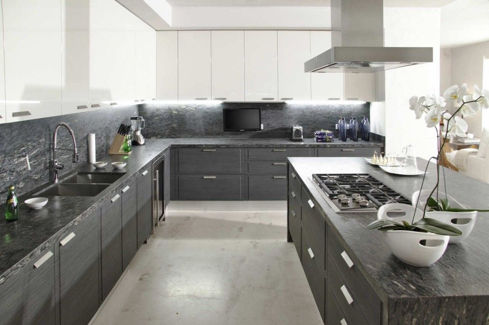 Attirant Contemporary Grey And White Kitchen Design Ideas With Wooden Cabinet White  And Grey Kitchen Designs Grey And White Kitchens Ideas With Natural  Lighting ...