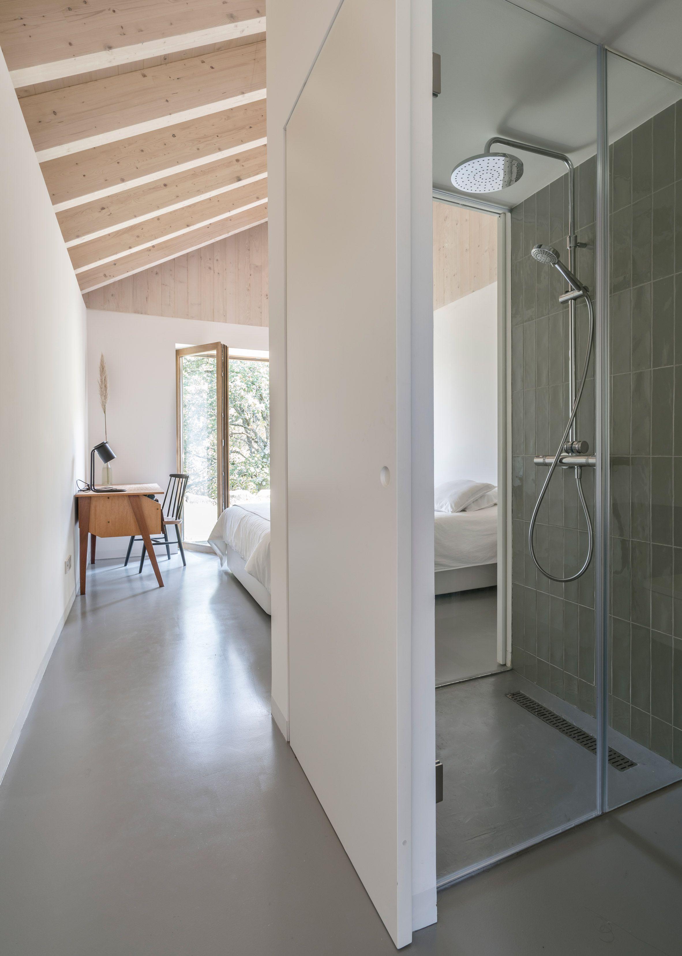 Laura Álvarez Architecture turns stone ruin into zero ...