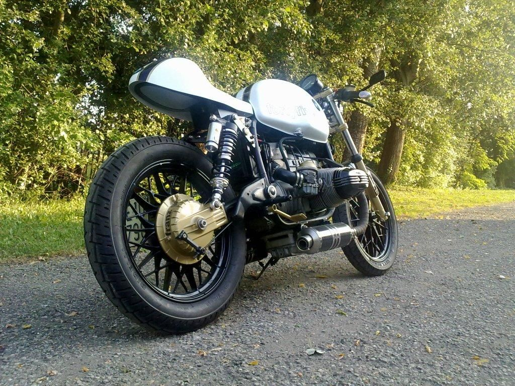 bmw r45 caf racer the ton bmw cafe racer cafe racer. Black Bedroom Furniture Sets. Home Design Ideas