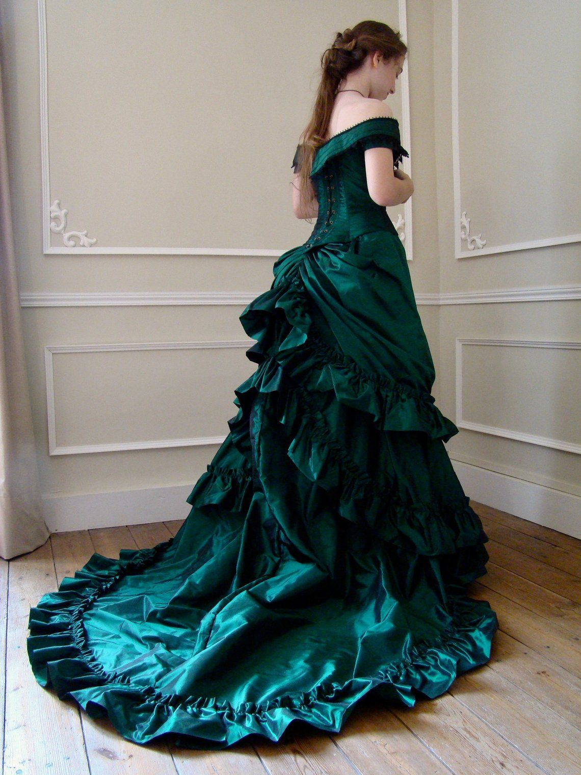 Victorian prom dress in green taffeta bottle (With images