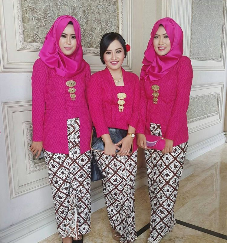 57 Model Baju Kutu Baru Hijab Terlihat Keren