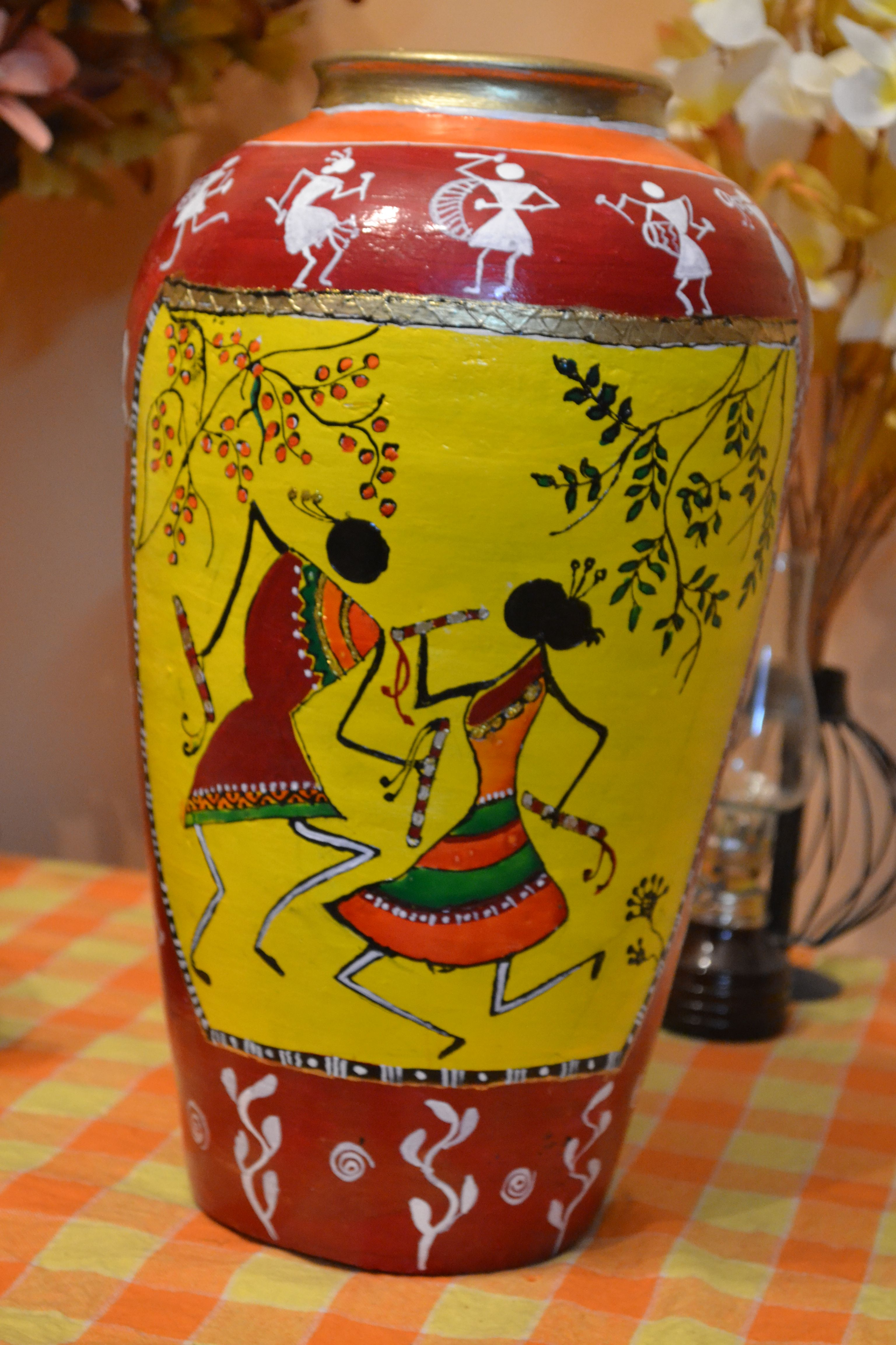 Warli art on a pot hobby pinterest paintings indian for Clay pots designs