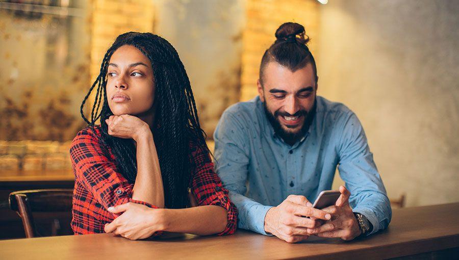 jealousy in online dating