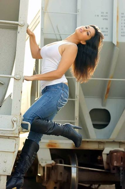 For sexy girls very tight pent boot