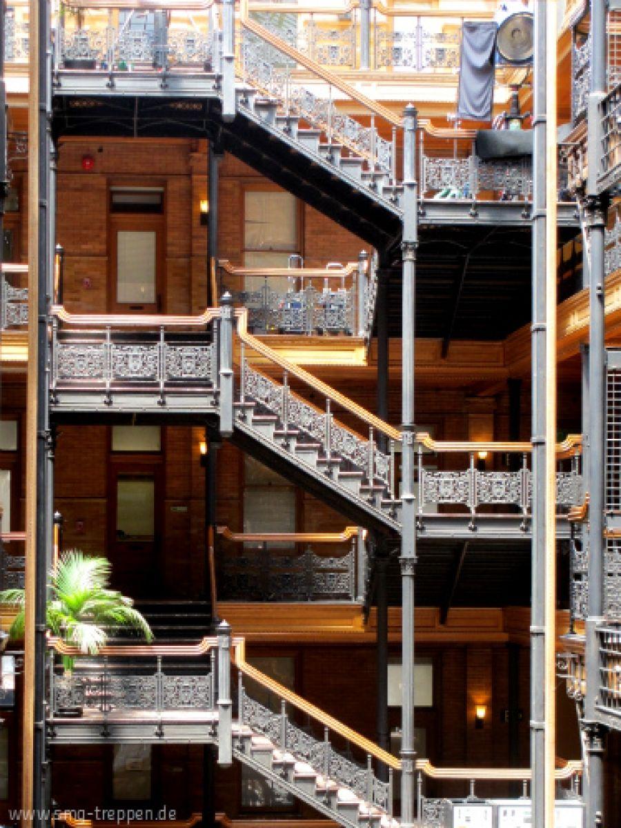 WOW! - Teil II | Stairs | Escaleras