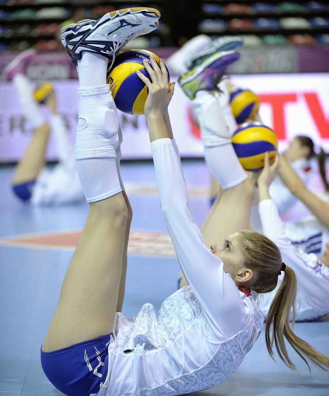 Volleyball Candle Doyourjob Volleyball Gifs Photo