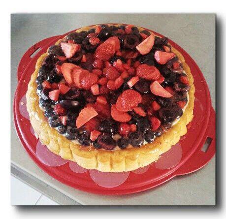 Gâteau de Savoie, crème pâtissière chocolat blanc et fruits rouges