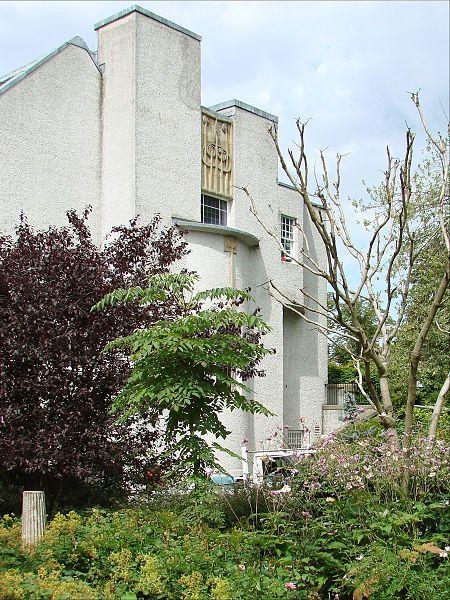 La façade latérale est de la Maison pour un amateur d\u0027art (House - peinture de facade maison
