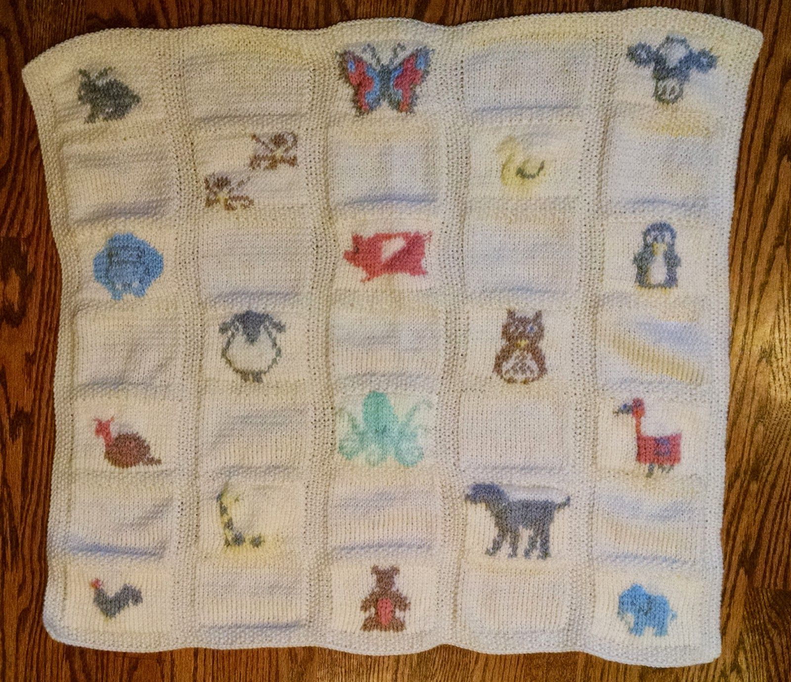 Animal parade baby blanket free knitting pattern knitted goods animal parade baby blanket free knitting pattern bankloansurffo Image collections