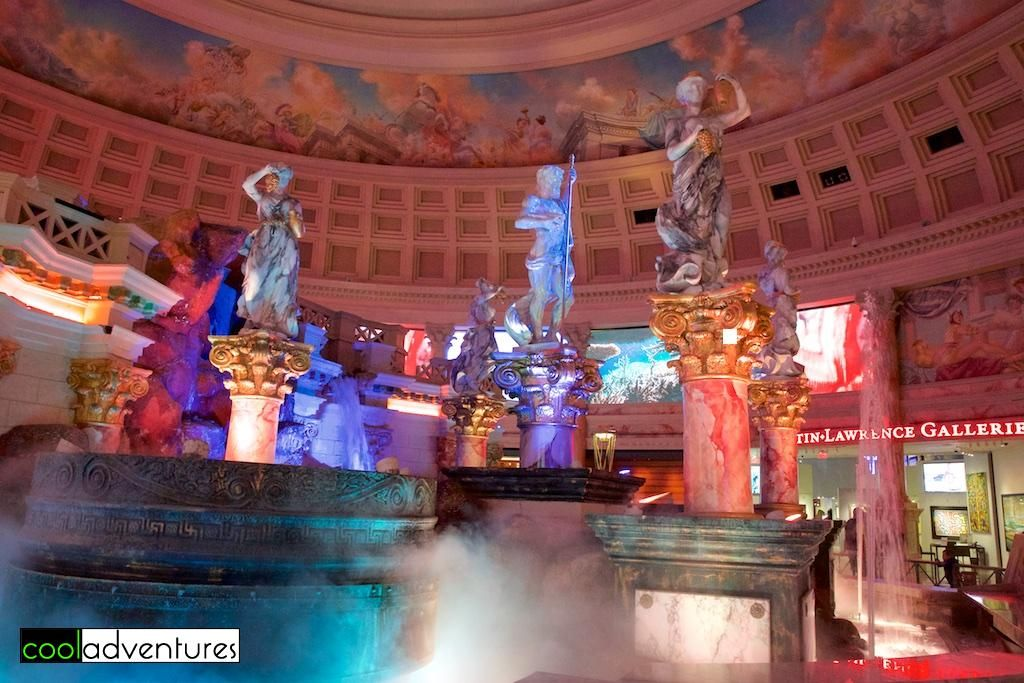 Talking statues fountains and aquariums at the forum for Garden statues las vegas nv