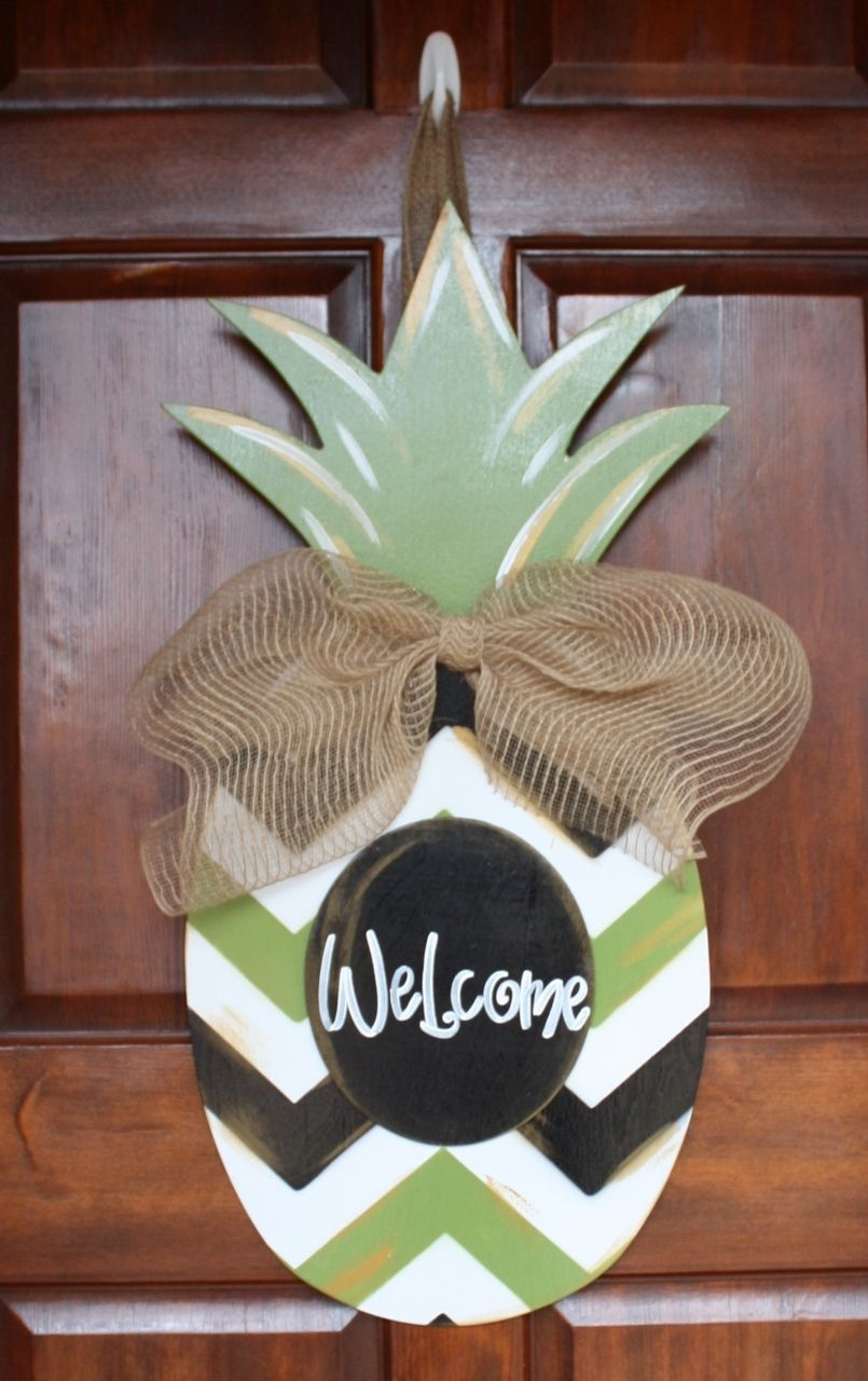 chevron pineapple wooden door hanger southern landscaping garden