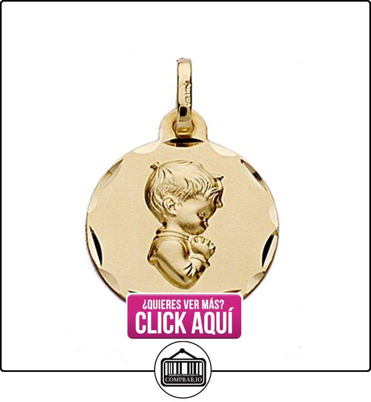 8bd3c4d9be54 Medalla oro 18k redonda chico rezando 16mm.  9093GR  - Personalizable - GRABACIÓN  INCLUIDA