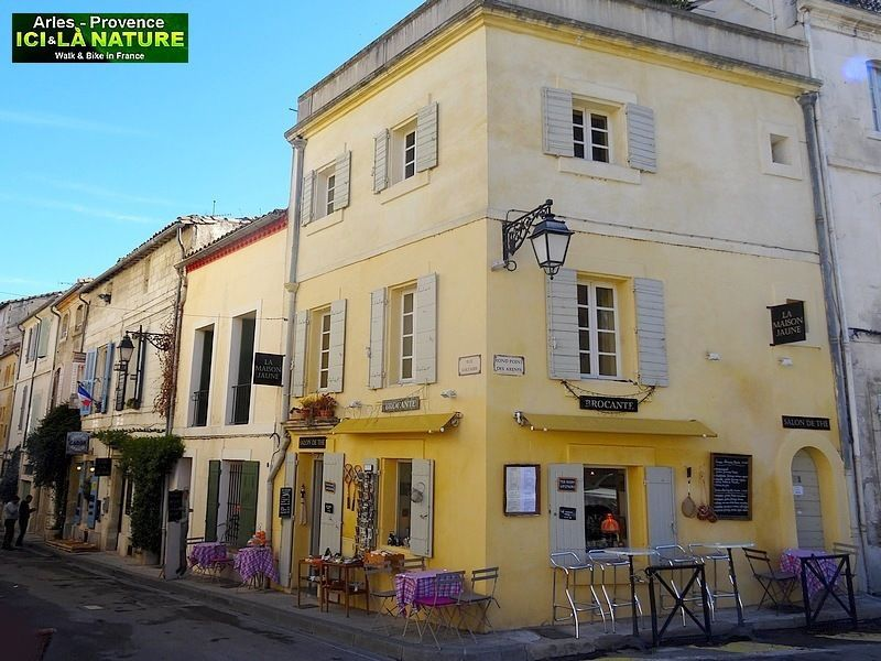 42-MAISON JAUNE CHAMBRE ARLES VAN GOGH | France : The Way of St ...