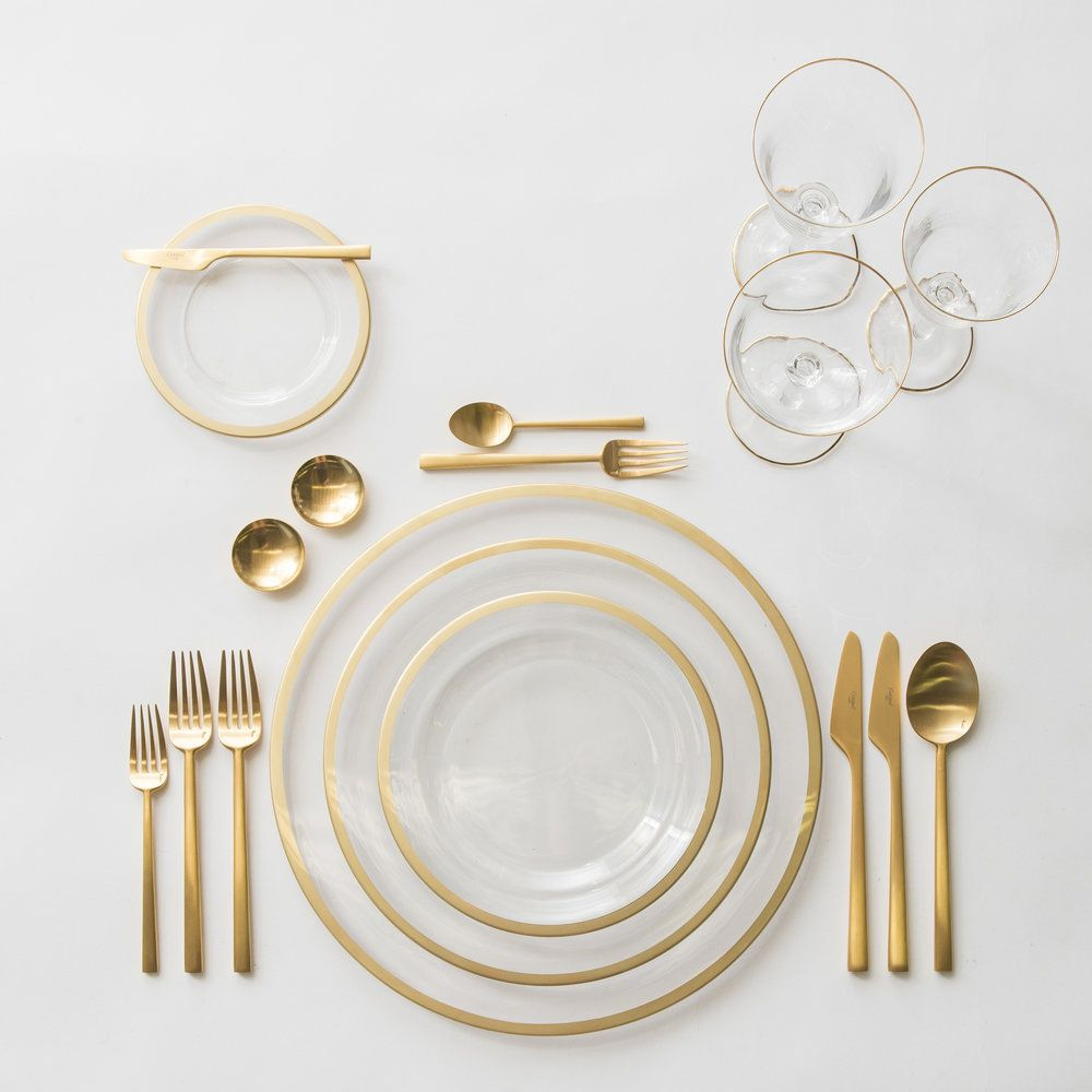 Gold Rimmed Glassware Gold Rimmed Underlate Gold Cutlery Wedding Decor Hire Cape Town At Muse Concepts Www Musedecorhire Co Glass Dinnerware Art Table Stemware